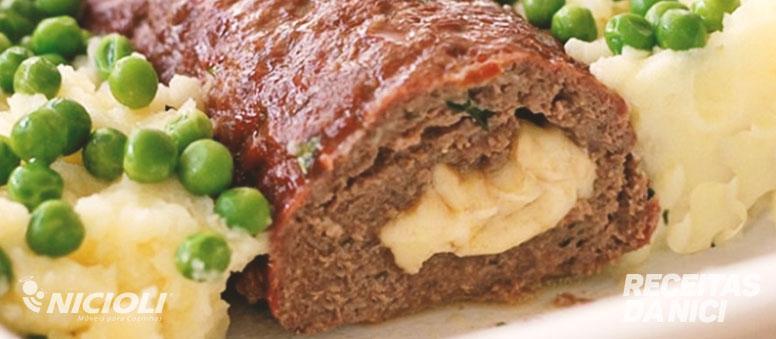 Rocambole de Carne Recheado com Provolone